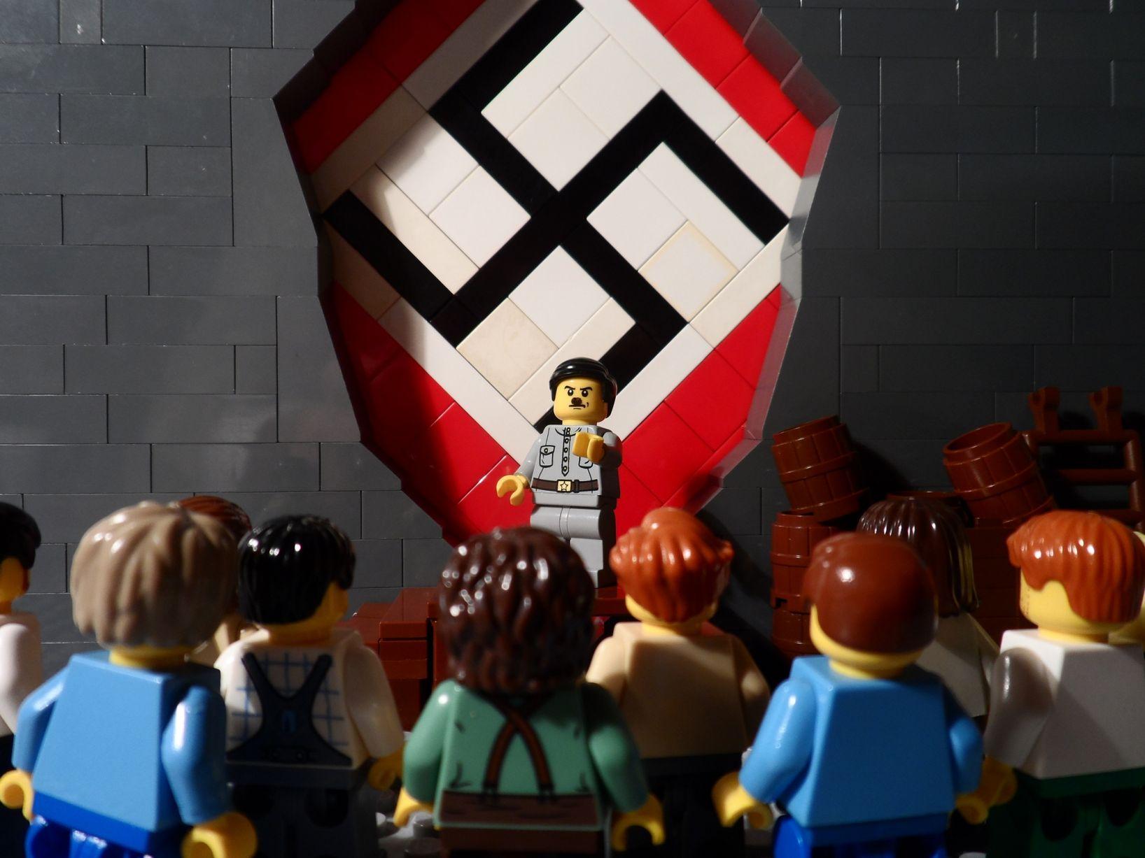 היטלר לגו